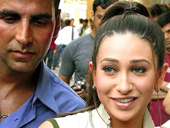 On The Sets Of The Film Mere Jeevan Saathi Featuring Akshay Kumar,Karisma Kapoor