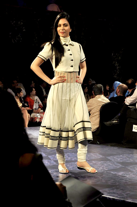 Nargis Fakhri walks the ramp at Aamby Valley India Bridal Fashion Week 2012 Finale