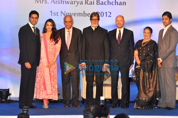 Abhishek Bachchan, Aishwarya Rai, Krishnaraj Rai, Amitabh Bachchan, Vrinda Rai