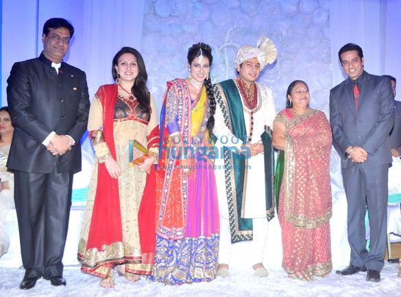 Raju Manwani, Juhi Babbar, Disha, Varun, Anoop Soni