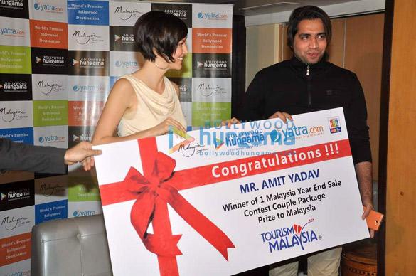 Yana Gupta meets Bollywood Hungama's contest winners