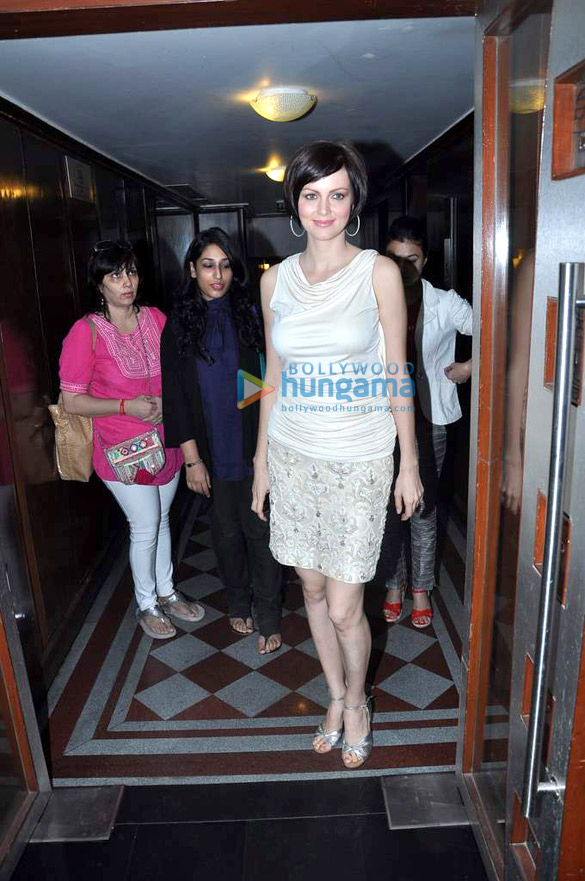 Yana Gupta meets Bollywood Hungama's contest winners