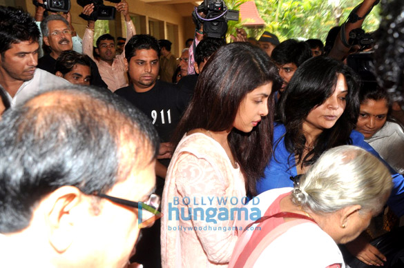 Prayer meet of Priyanka Chopra's Dad