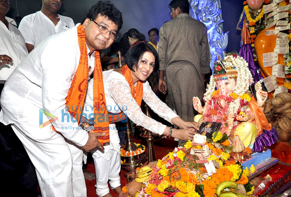 Madhushree launches her album Pal Ek Ehsaas at Andheri Cha Raja