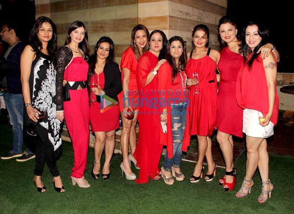 Tejaswini, Divya Dutta, Mona Pandey, Sheeba, Deepshikha