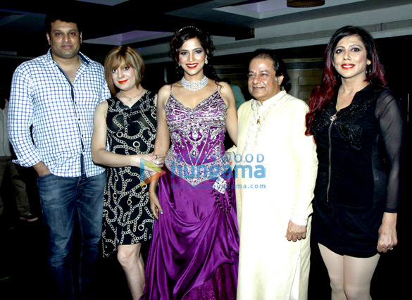 Tanisha Singh celebrates her birthday with friends