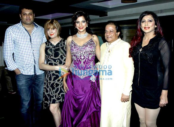 Vachan Shetty, Bobby Darling, Tanisha Singh, Anup Jalota, Tina Ghai