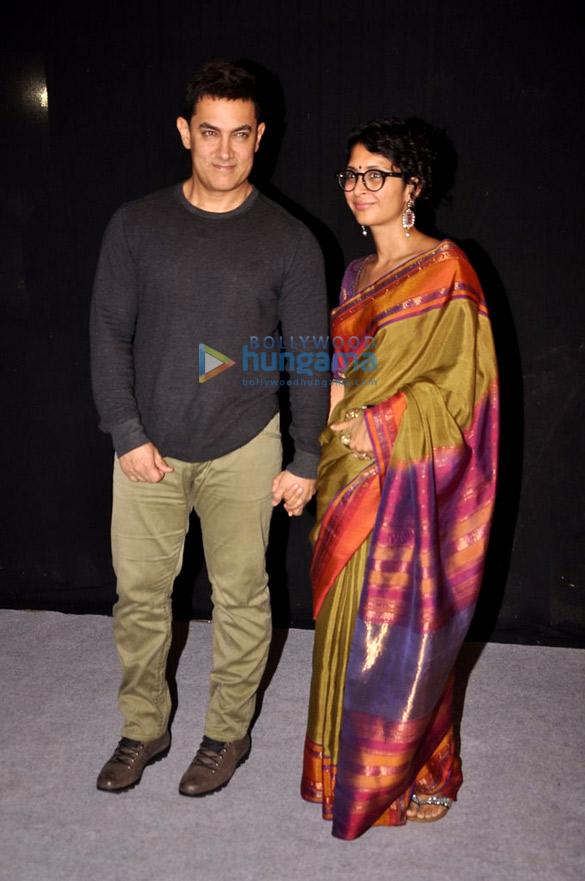 Aamir Khan at Star Parivar Awards 2014