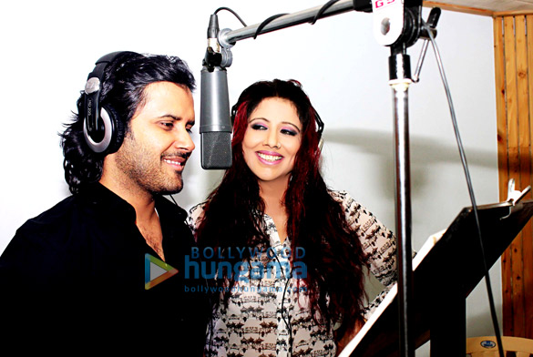 Tinaa Ghaai & Javed Ali record the title song for the film 'Ek Baar Phir Kaho'