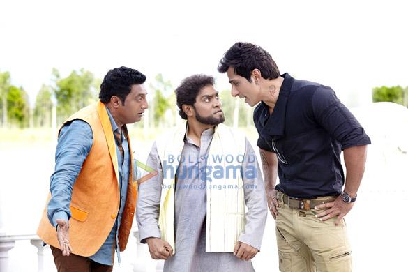 Prakash Raj, Johny Lever, Sonu Sood
