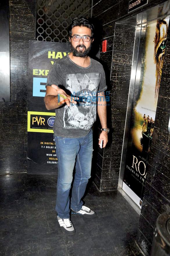 Harman Baweja snapped in his new look