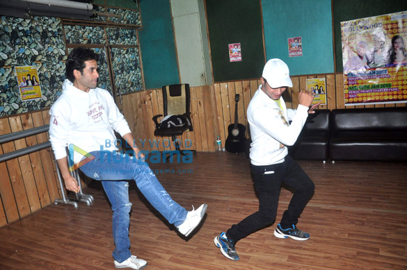 Tusshar Kapoor rehearses for New Year performance