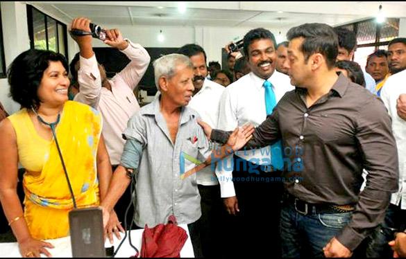 Salman Khan & Jacqueline Fernandez grace the 'Being Human' event in Srilanka