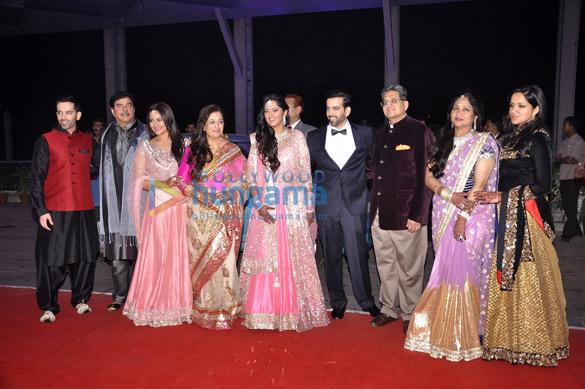 Luv Sinha, Shatrughan Sinha, Sonakshi Sinha, Poonam Sinha, Taruna Agarwal, Kush Sinha