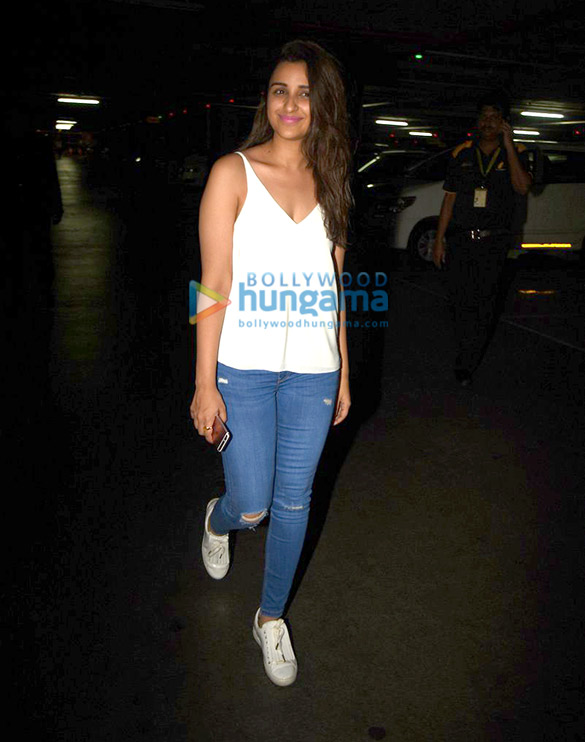 Parineeti Chopra arrives from Kolkata schedule of 'Meri Pyaari Bindu'