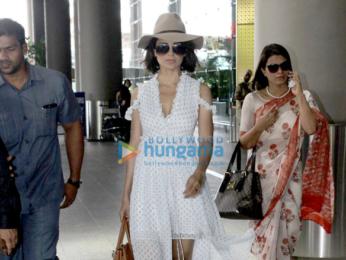 Kangna Ranaut & Manyata Dutt snapped at the airport