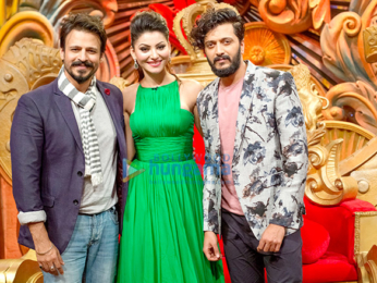 Team of 'Great Grand Masti' on the sets of Comedy Nights Bachao