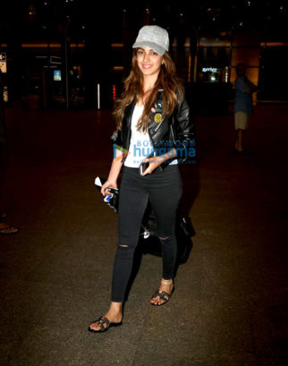 Kiara Advani & Vikram Phadnis snapped at the airport