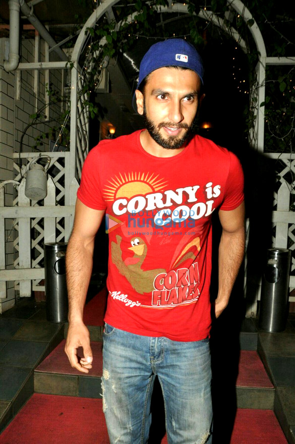 Ranveer Singh snapped post dinner in Bandra