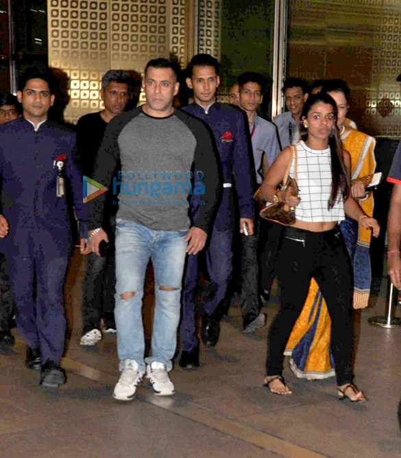 Salman Khan returns from Delhi