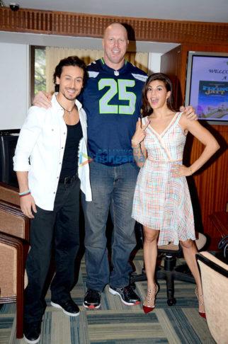 Tiger Shroff & Jacqueline Fernandez promote 'A Flying Jatt' at Welingkars