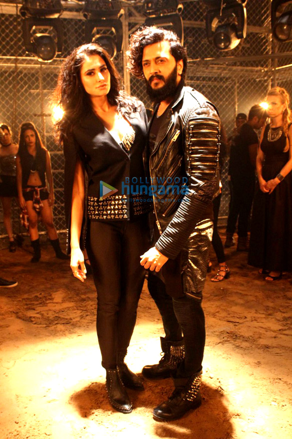 Riteish Deshmukh & Nargis Fakhri shoot for 'Banjo' promotional video