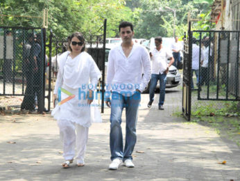Akshay Kumar, Abhishek Bachchan and others attend the funeral of Shilpa Shetty's father