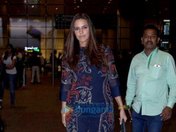 Arjun Kapoor, Neha Dhupia & Ameesha Patel snapped at the airport