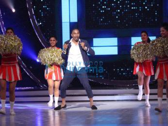 Dwayne Bravo and Jacqueline Fernandez on the sets of Jhalak Dikhhla Jaa Season 9