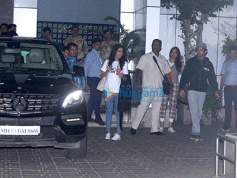 Shraddha Kapoor & Farhan Akhtar arrive from Bangalore after promoting 'Rock On!! 2'