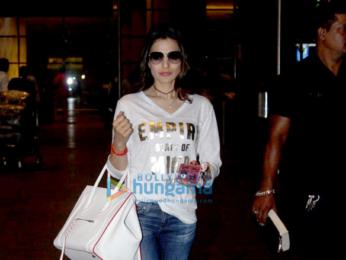 Sonakshi Sinha, Ameesha Patel & Surveen Chawla snapped at the international airport