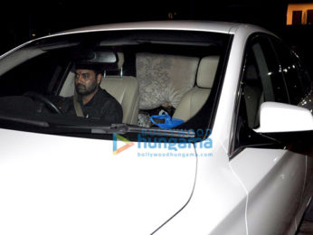 Sonakshi Sinha snapped as she hides behind pillow to avoid getting clicked