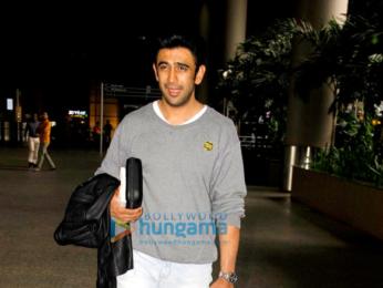 Suniel Shetty, Disha Patani & Amit Sadh snapped at the airport