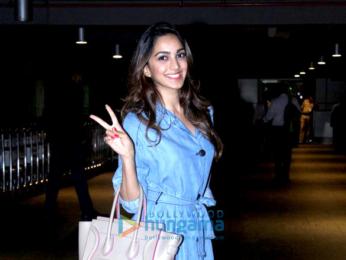 Yami Gautam & Kiara Advani snapped at the domestic airport