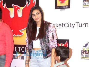 Athiya Shetty grace the 5th year celebations of Pheonix Market City Mall