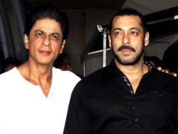 MUST WATCH: Shah Rukh Khan Parties With Salman Khan Parties Video Image