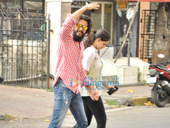 Riteish Deshmukh & Genelia Dsouza snapped at Taj Mahal Tea House, Bandra