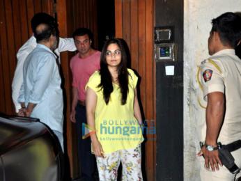 Salman Khan, Sangeeta Bijlani and others snapped in Bandra