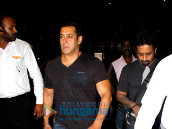 Salman Khan & others snapped at the international airport