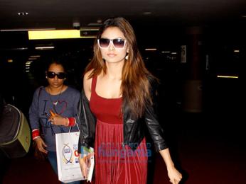 Urvashi Rautela spotted at the Mumbai international airport