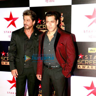 Celebs at the red carpet of 23rd Annual Star Screen Awards 2016