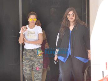 Saif Ali Khan, Soha Ali Khan & Kunal Khemu snapped outside Breach Candy Hospital