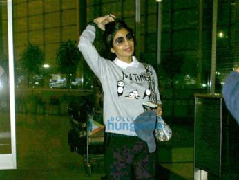 Shilpa Shetty departs for Dubai