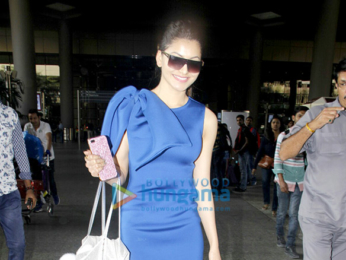 Yuvraj Singh, Hazel Keech & Kangna Ranaut clicked at the airport