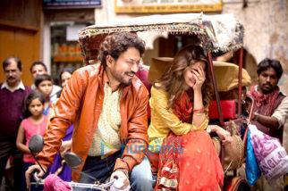 Movie still from the Movie Hindi Medium