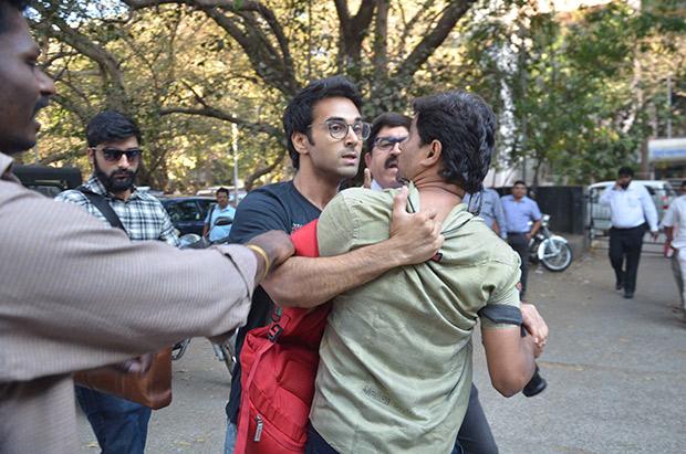Pulkit Samrat attacks photographer