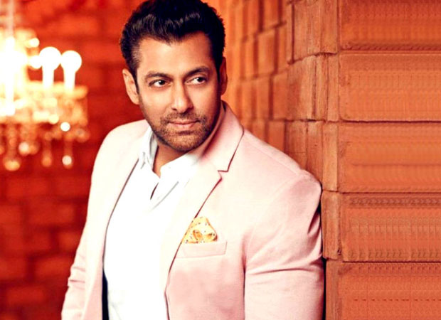 Salman Khan after his acquittal in 1998 Arms Act
