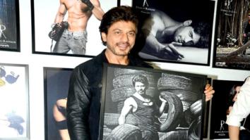 Shah Rukh Khan, Varun Dhawan, Kriti Sanon, Rekha & others grace the launch of Dabboo Ratnani's calendar 2017