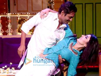 Shah Rukh Khan and Nawazuddin Siddiqui promote 'Raees' on The Kapil Sharma Show