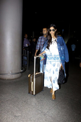 Sonam Kapoor snapped at the airport